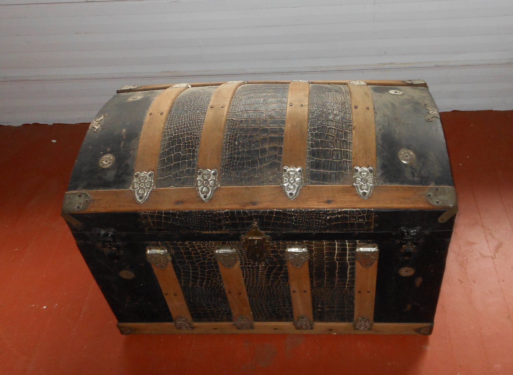 An Antique Trunk With Alligator Skin Happy Holly Project